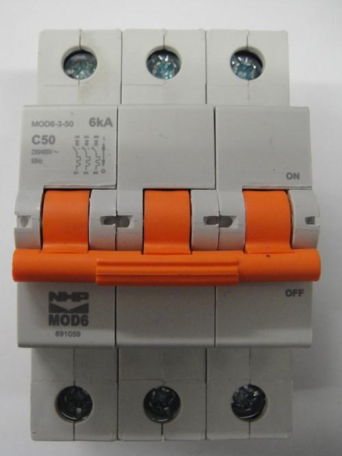 Nhp 3 pole circuit breaker 50amp 6ka mod6