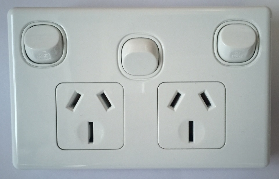 Sparkelec Double Power Point With Extra Switch 15 Amp - White ...